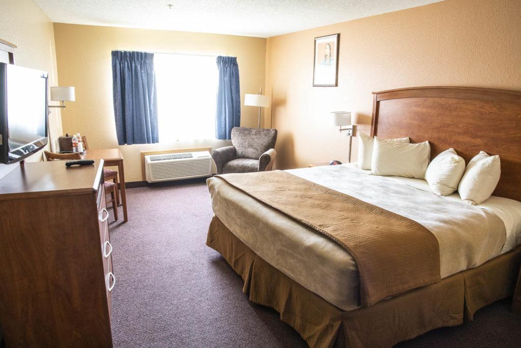 Dakota Magic Hotel Handicap Accessible King Room Bed