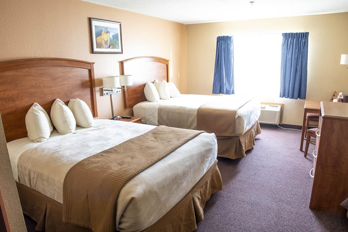 Dakota Magic Hotel Standard 2 Queen Room Beds