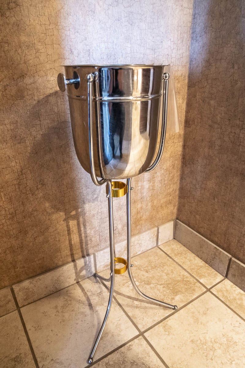 Dakota Magic Hotel Hospitality Suite Champagne Bucket